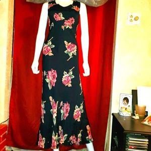 ❤Beautiful Black Floral Maxi Dress ❤